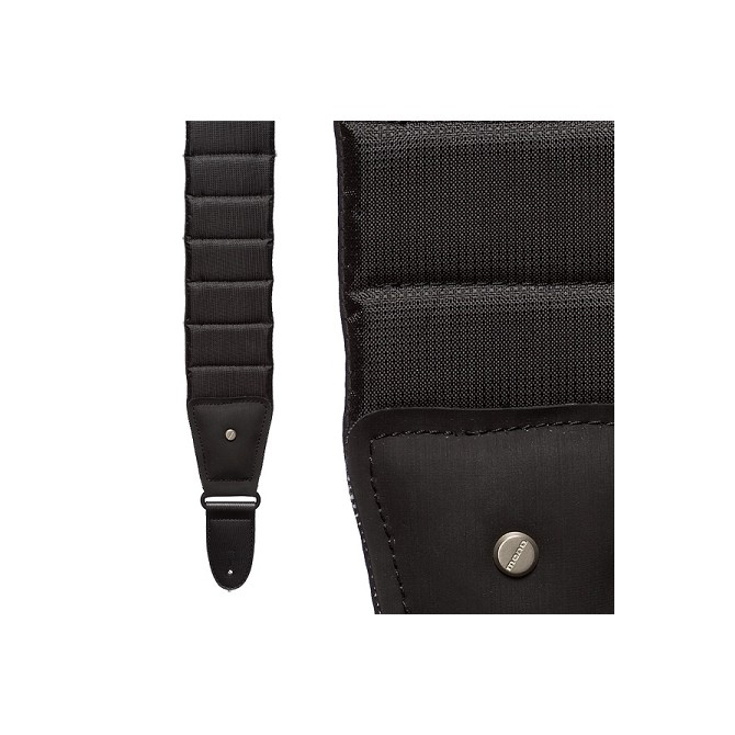 Mono Case Strap M80 Betty Jet Black (Short) Sharkskin